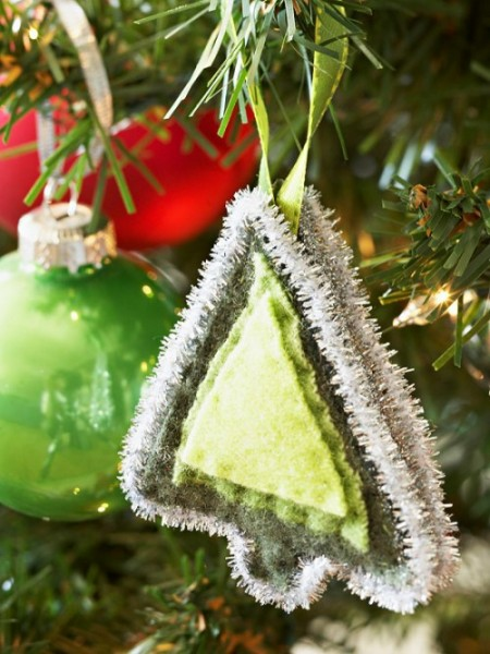 diy-felt-christmas-tree-ornaments-25-500x666