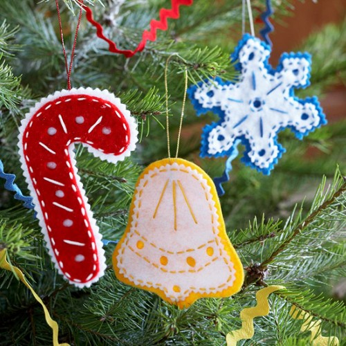diy-felt-christmas-tree-ornaments-28-500x500