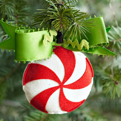 diy-felt-christmas-tree-ornaments-35-500x500