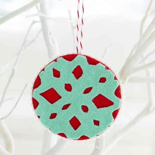diy-felt-christmas-tree-ornaments-39-500x500