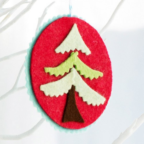 diy-felt-christmas-tree-ornaments-40-500x500
