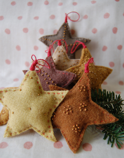 diy-felt-christmas-tree-ornaments-8