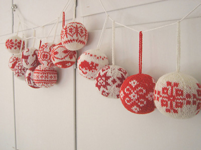 knitted-christmas-ornaments