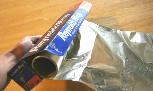 https://goodliving.vn/wp-content/uploads/2011/12/2011-08-01-la-nhom-aluminum-foil-1.png