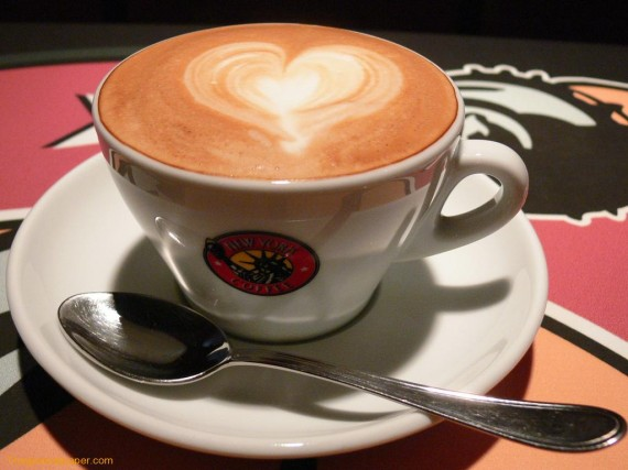 https://goodliving.vn/wp-content/uploads/2013/07/5-cappuccino-coffee-570x427.jpg
